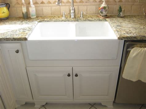 Apron Front Sink With Backsplash : Baroque Apron Front Sink In Kitchen Traditional With