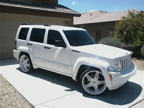 pink jeep liberty 25 b 228 sta jeep liberty id 233 erna p 229 pinterest jeep patriot