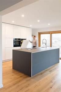 Küche Mit Kochinsel Günstig : k cheninsel kochinsel grau wei designerk che ~ Watch28wear.com Haus und Dekorationen