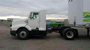 Mack Cxn613  2006    Daycab Semi Trucks