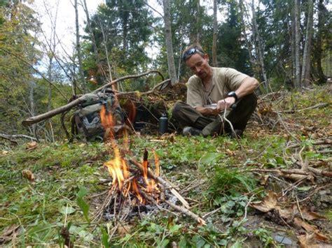 cuisine feu de bois comment survivre en forêt kazaden