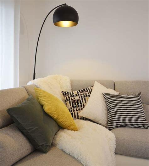 plaid canapé noir les 25 meilleures idées concernant plaid canapé sur