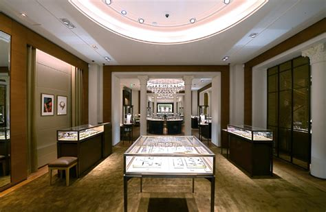 bureau de change boulevard des capucines cartier opens its ninth boutique in global blue