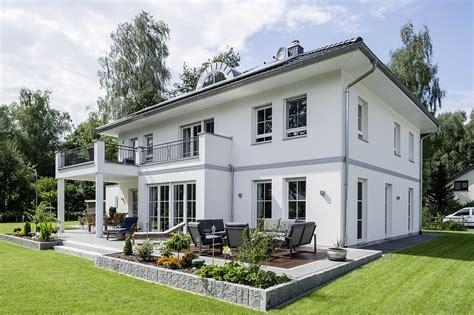 Vier Tipps Zum Bauen Mit Bautraeger by Arge Haus Modern Chic Und Massiv Www Immobilien Journal De