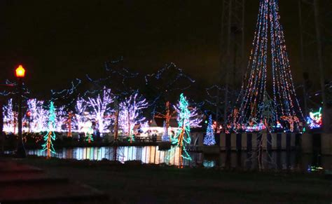 pittsburgh s 2nd annual kennywood holiday lights a merry