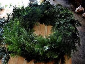 Faire Une Couronne De Noel : les fourgs le toit du haut doubs faire une couronne de l 39 avent ~ Preciouscoupons.com Idées de Décoration