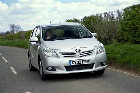 mpv toyota toyota verso named safest mpv of 2010 by euro ncap