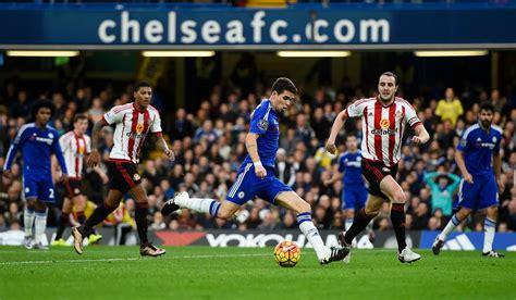Oscar shoots at goal vs Sunderland - 19 Dec 15   Chelsea ...