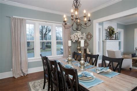 Hgtv Dining Room Decorating Ideas On Winter Color Trends Christmas Craft Ideas To Make And Sell Cheap Crafts With Kids Tree Decoration Kid Ornament Easy Centerpieces Table Centerpiece Decorating Story