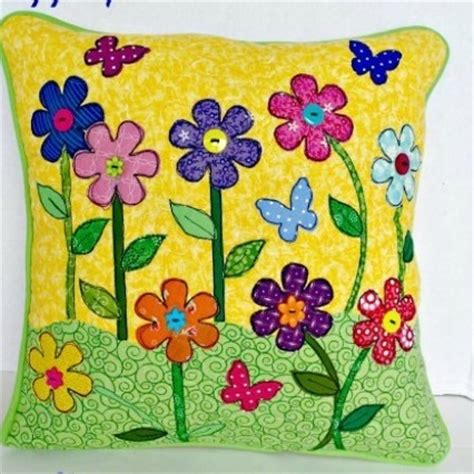 How To Applique by How To Applique Pillow Allfreesewing
