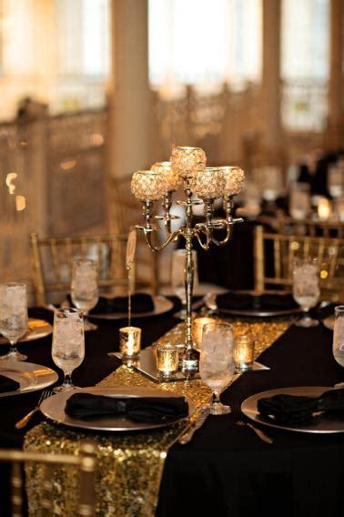 elegant black white gold wedding   detail