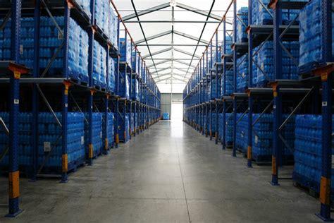 entrepot de produit de bureau entrepôt industriel neivalu nv bâtiments de stockage