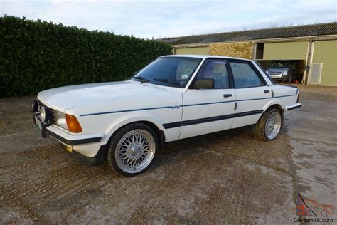 Ford Cortina Xr6 Tf (limited Edition Team Ford