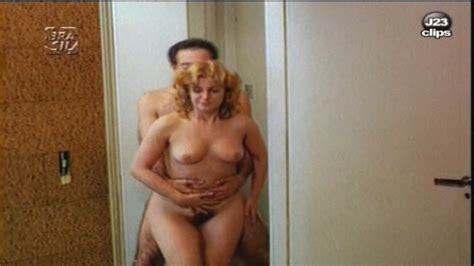 Matilde Mastrangi Nua Em Sos Sex Shop