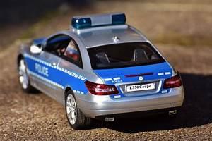 Images Gratuites   Au Volant  Jouets  Mercedes Benz