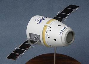SpaceX Model Kit - Pics about space