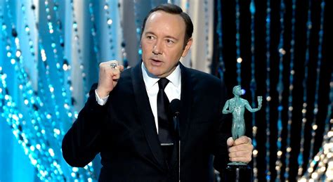 house of cards awards kevin spacey wins for house of cards at sag awards 2016