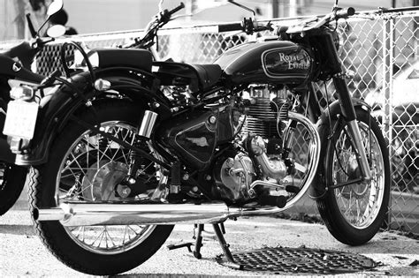 Enfield Bullet 350 Image by File Royal Enfield Bullet 350 Jpg Wikimedia Commons
