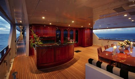Home Interior Tiger Pictures : Tiger Woods Yacht