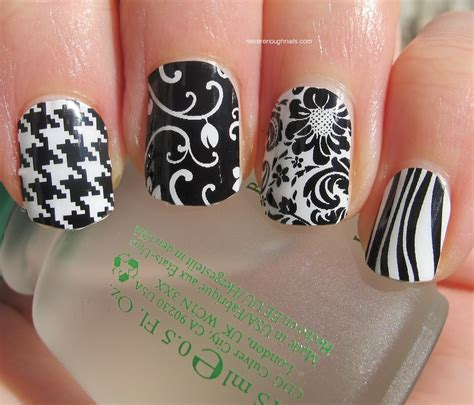 nails jamberry nails black  white mani