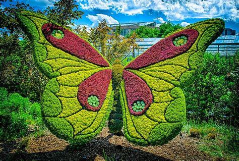 plant sculpture amazing plant art sculptures mosaiculture exhibition at the atlanta botanical gardens naga