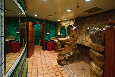 filemadonna inn restroom jpg wikimedia commons