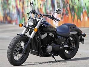 Honda Shadow 750 Fiche Technique : honda vt 750 c2b shadow la menace fant me moto revue ~ Medecine-chirurgie-esthetiques.com Avis de Voitures