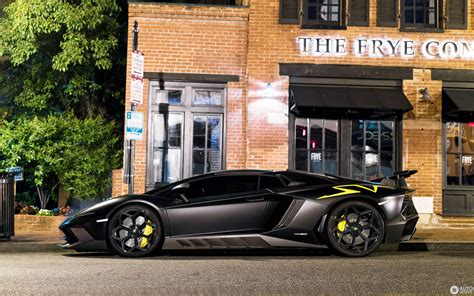 lamborghini aventador lp750 4 superveloce roadster e gear lamborghini aventador lp750 4 superveloce roadster novitec