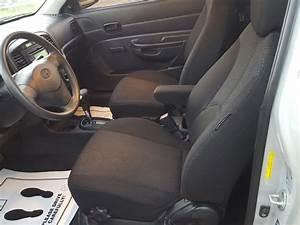 2009 Hyundai Accent - Interior Pictures