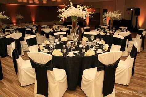 black tablecloths white chair covers holidays   black white wedding theme