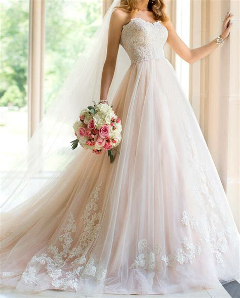 Blush Bohemian Wedding Dresses Appliques Lace Sweetheart
