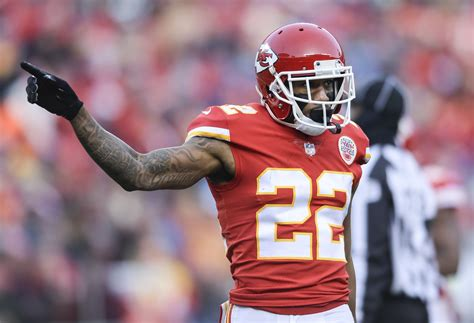 marcus peters  traded  chiefs  rams report