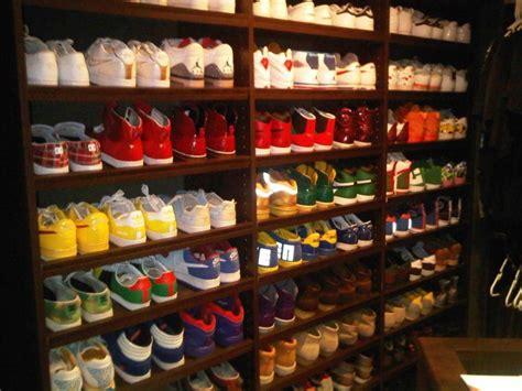 mens shoe closet ryan lochte shoe closet shoes pinterest ryan o neal shoe closet and closet