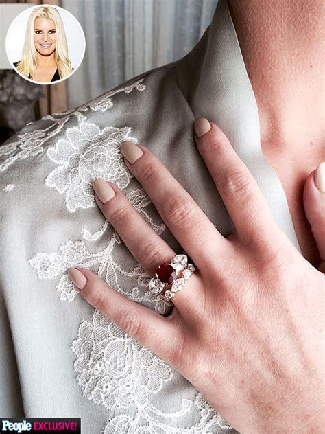 jessica simpsons wedding ring photo jessica simpson s wedding mani up close pictures
