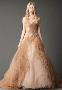 Gorgeous and stylish fall wedding dresses to inspire you for Dress for fall wedding