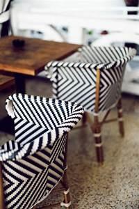 Le fauteuil en rotin les meilleurs modeles archzinefr for Meuble salle À manger avec chaise salle a manger noir pas cher