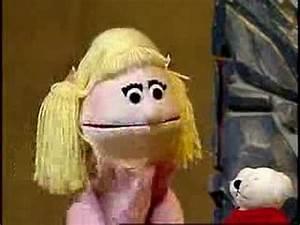 Little Blue Riding Hood - Puppet Show