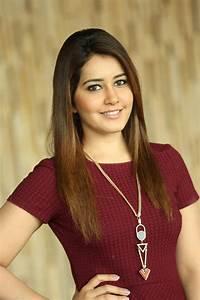 Actress Rashi Khanna Latest Pics