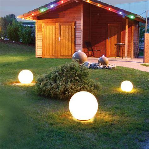 Kugel Beleuchtung Garten by Die Besten 25 Solarkugeln Garten Ideen Auf