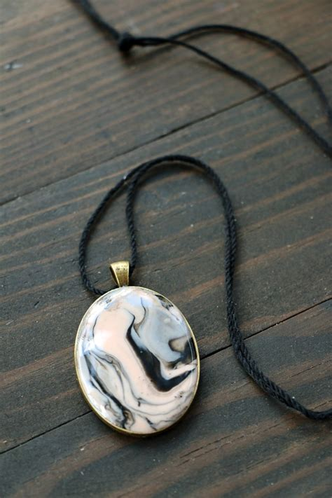 marbled polymer clay necklace ideas