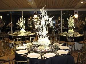 non floral winter wedding centerpieces winter wedding With winter wedding decoration ideas