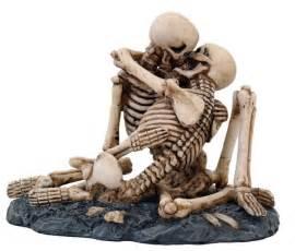 skull wedding cakes never dies statue skeleton still