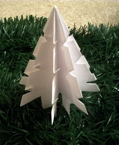 how to makeacheistmas tree stau up paper tree 183 how to make a tree 183 papercraft on cut out keep