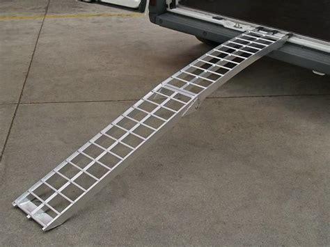 pedana per moto re di carico e pedane per furgoni