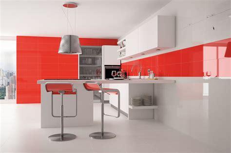 cocinas modernas blancas  rojas