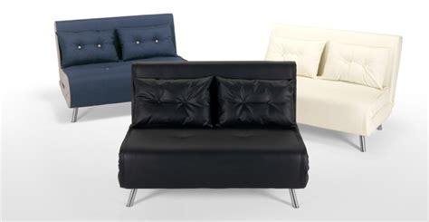 ein kleines sofa f 252 r eine kleine wohnung - Kleines Sofa Mit Schlaffunktion