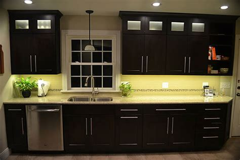 Led Lighting In Kitchen Cabinets by Kitchen Cabinet Lighting Using Warm White Led Lights