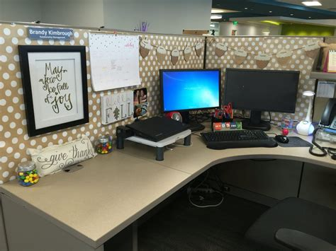 cubical ways  decorate work space