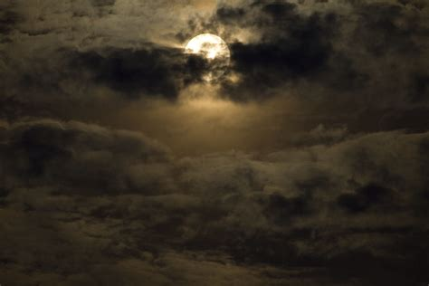 spooky moon full moon cloudy night   texas gulf