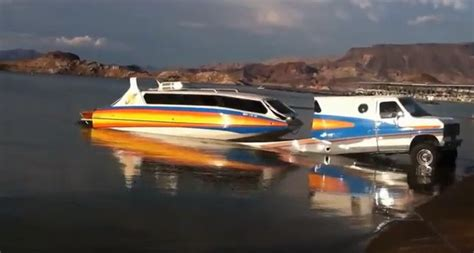 Boat And Rv by Boaterhome Don T Get Stuck Choosing Between A Rv Or Boat